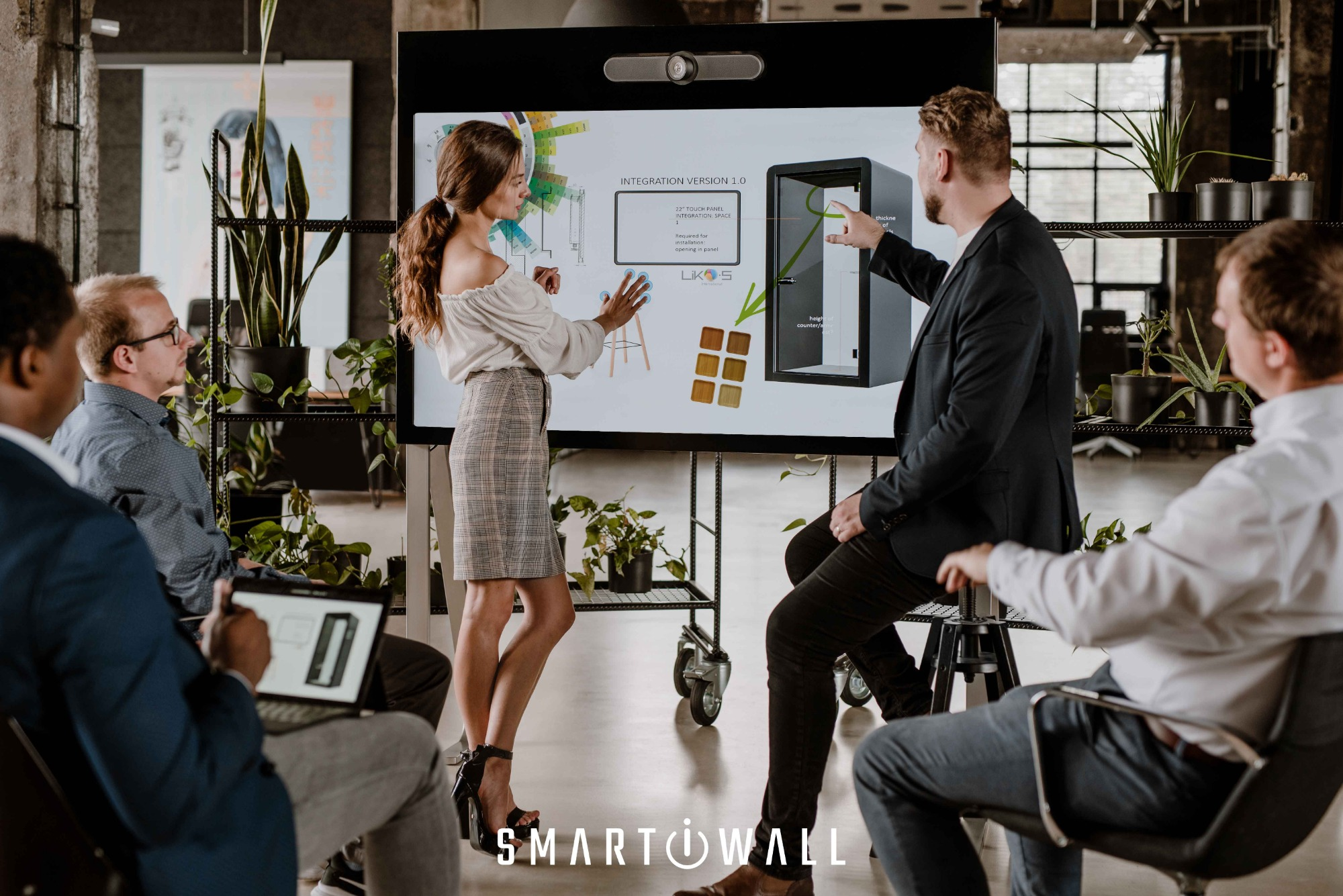 SMART-i-WALL®: Your next video conference will not be via laptop.