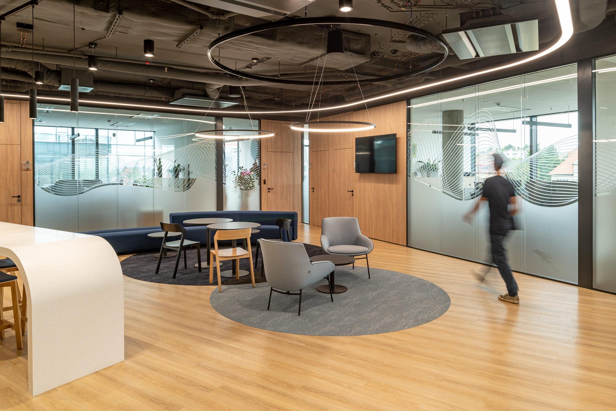 Modern tailor-made work environment