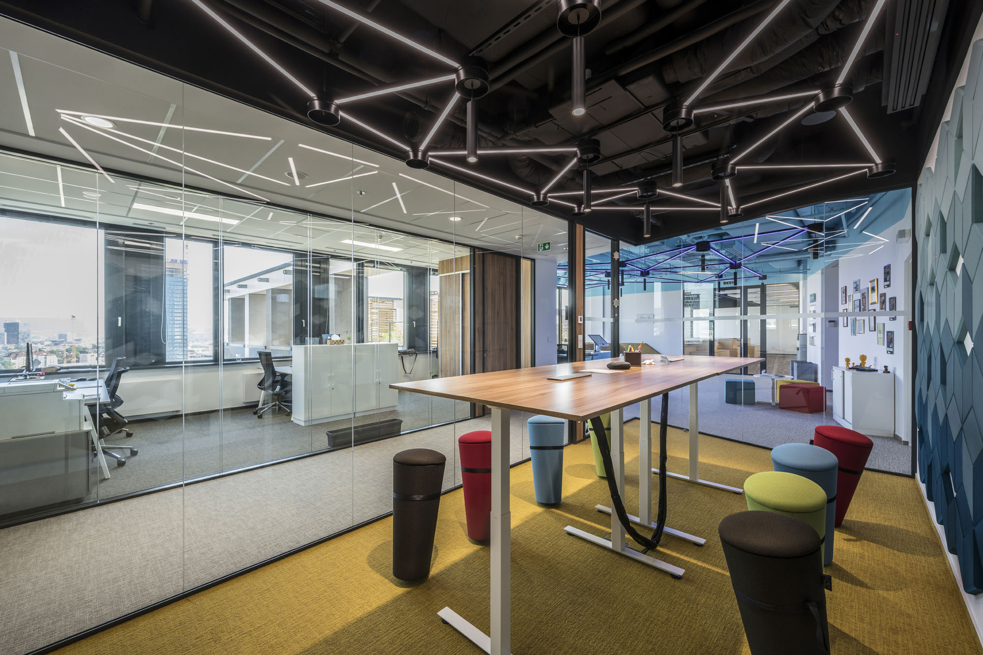 Interior for creative thinking and active work style