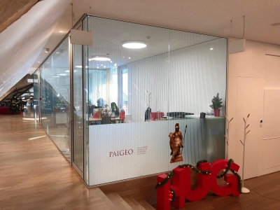 Glass partitions with a touch of history