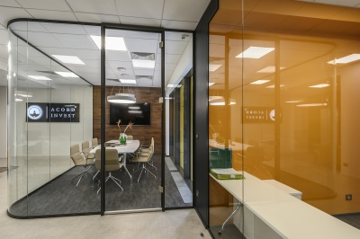 Curved glass partitions livens up the interior
